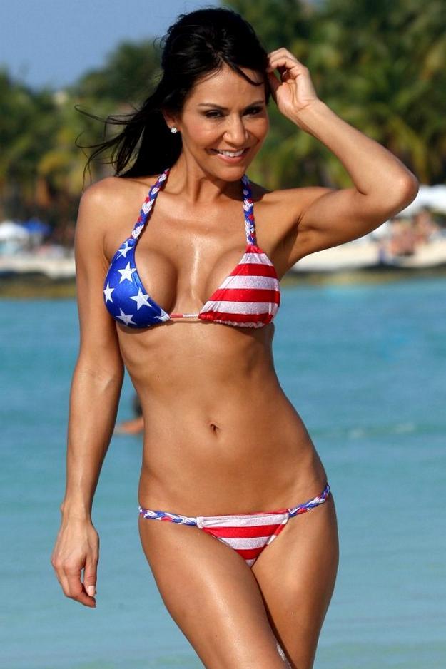Bikini Stars 72